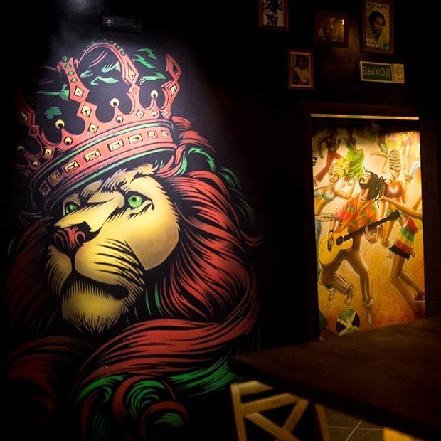 На Зыбицкой появился регги-бар «Жеваный крот» с ямайскими закусками и живой музыкой — Месца на The Village Беларусь