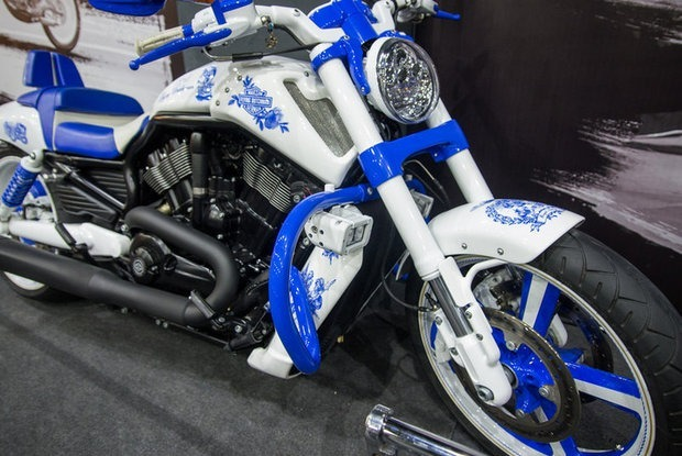 В Galleria Minsk открылась галерея эксклюзивных мотоциклов от Yuri Shif Custom — Прыйшоў да поспеху на The Village Беларусь
