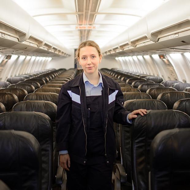 Я — девушка, которая чинит самолеты — Людзi ў горадзе на The Village Беларусь