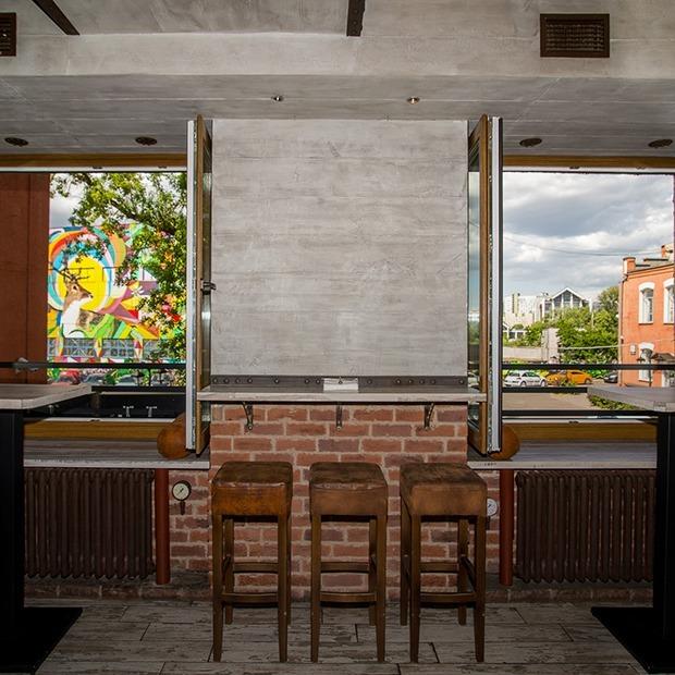 На Октябрьской открылся лаунж-бар «Исаев» с коктейлями и закусками — Новае месца на The Village Беларусь