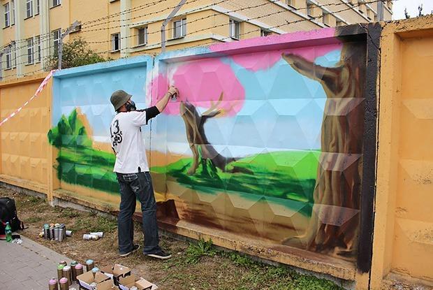 Куда едет мальчик, и что там за икона: что хотел сказать автор лучшего граффити — Дзяжурны па горадзе на The Village Беларусь