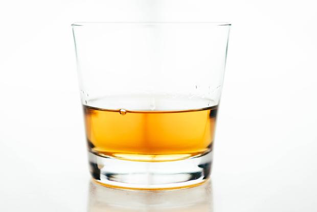 «В Беларуси нельзя будет готовить коктейли»: Почему из тики-бара «На пляже» изъяли алкоголь? — Рэакцыя на The Village Беларусь