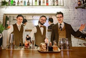 Теперь с туалетом, коктейлями и новым интерьером: На проспекте открылся коктейльный бар Kew London