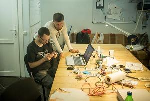«Нам пишут с просьбами взломать аккаунт»: группа гиков создала хакерспейс