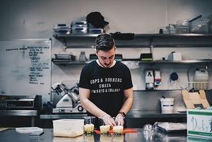 «В Беларуси не вкладывают в развитие поваров»: где учились шефы минских ресторанов