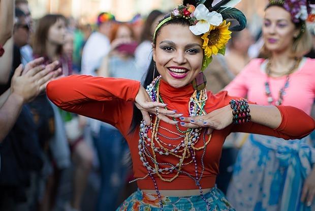 Как одеты гости Vulica Brasil