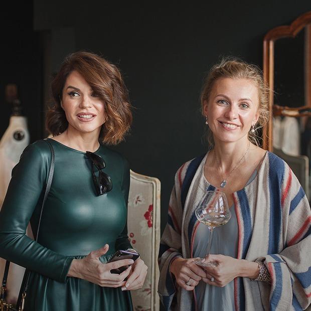 Как одеты гости презентации новой коллекции Лены Цокаленко: Женственно и стильно — Знешні выгляд на The Village Беларусь