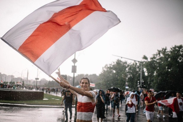 «Дяди в погонах пытаются нас убедить»: Как власти игнорируют реальный экстремизм, цепляясь к БЧБ — Сітуацыя на The Village Беларусь