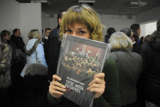 «Беларусы выглядят нищими на фоне западных вещей»: Как в Беларуси запретили фотографии — Трэд на The Village Беларусь