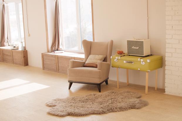 «Сходите в IKEA и  посмотрите, что происходит с глянцевой поверхностью»: Как быстро навести порядок — Дызайн-хак на The Village Беларусь