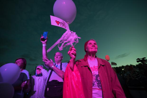 Эпохальный митинг кандидата в президенты Светланы Тихановской в 15 фото — Дзяжурны па горадзе на The Village Беларусь