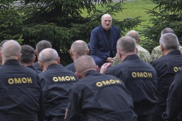 «Силовики сливают друг друга»: Как соцсети реагируют на план властей открыть тюрьму для протестующих — Рэакцыя на The Village Беларусь