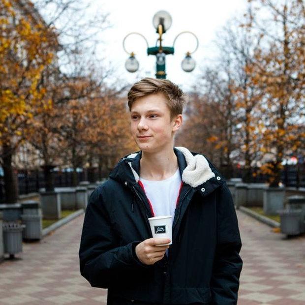 Посмотрите на 18-летнего владельца кофейни, который заработал на нее сам — Навiны на The Village Беларусь