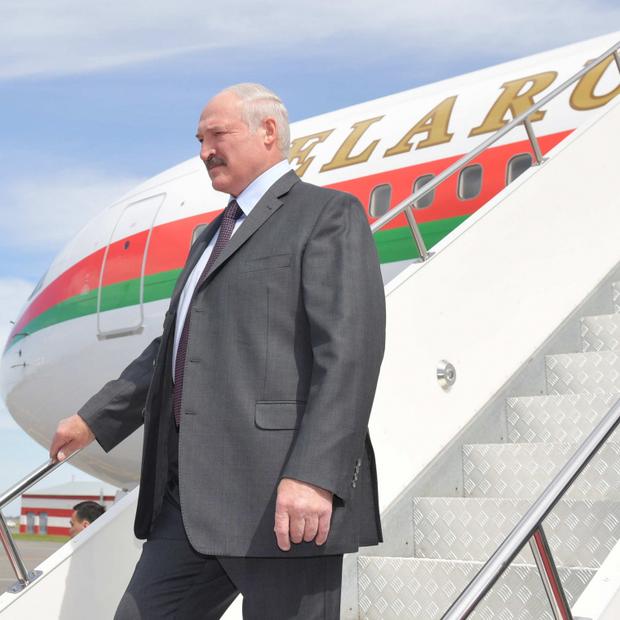 Что ел, какие бренды надевал, на чем ездил и где отдыхал Александр Лукашенко в 2019 году