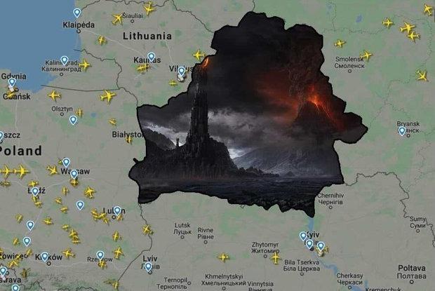«Каждый новый день с Лукашенко хуже санкций»: Беларусы спорят, надо ли было запрещать нам полеты — Меркаванне на The Village Беларусь