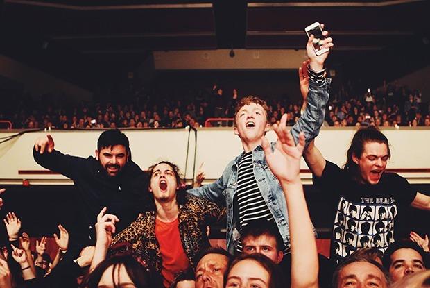 Почему концерты никогда не начинаются вовремя? — Ёсць пытанне на The Village Беларусь
