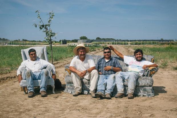 «Бесконечная занятость связана с ранней смертью»: Почему нужно не работать в выходные — Карысная звычка на The Village Беларусь