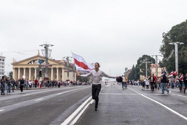 «Секс-символом стали мужики с заводов»: Беларуска смешно и тонко объяснила, что произошло в стране — Трэд на The Village Беларусь