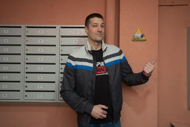«ЖЭСы скоро умрут»: Как за год жильцы сами преобразили свой подъезд в «доме ужасов» — Асабiсты вопыт на The Village Беларусь