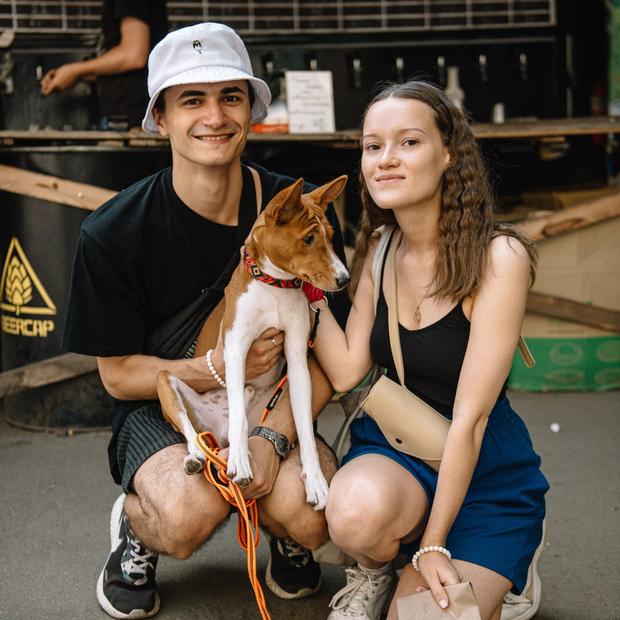 Как одеты минские собаки и люди, которые пришли с ними на вечеринку Party Animals  — Знешні выгляд на The Village Беларусь