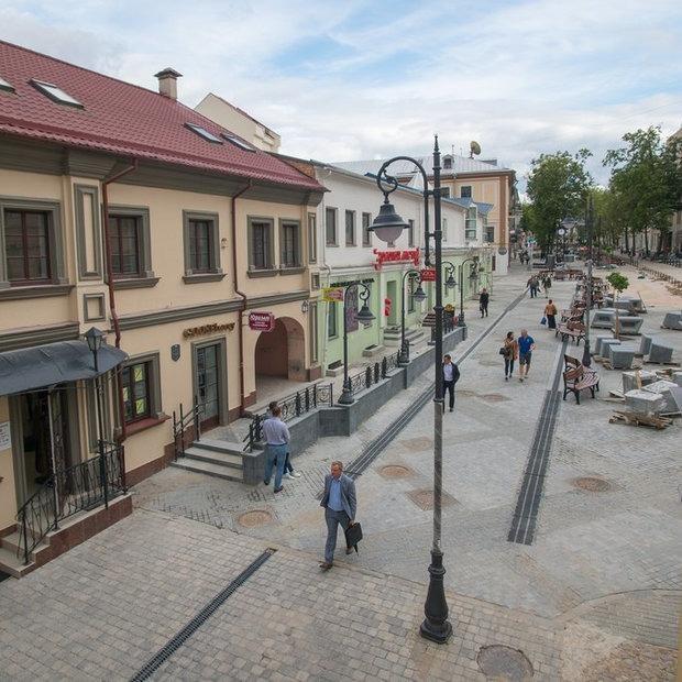 «Дизайн очень грустный, автомобилей здесь быть не должно»: Архитекторы о пешеходной Комсомольской — Дзяжурны па горадзе на The Village Беларусь