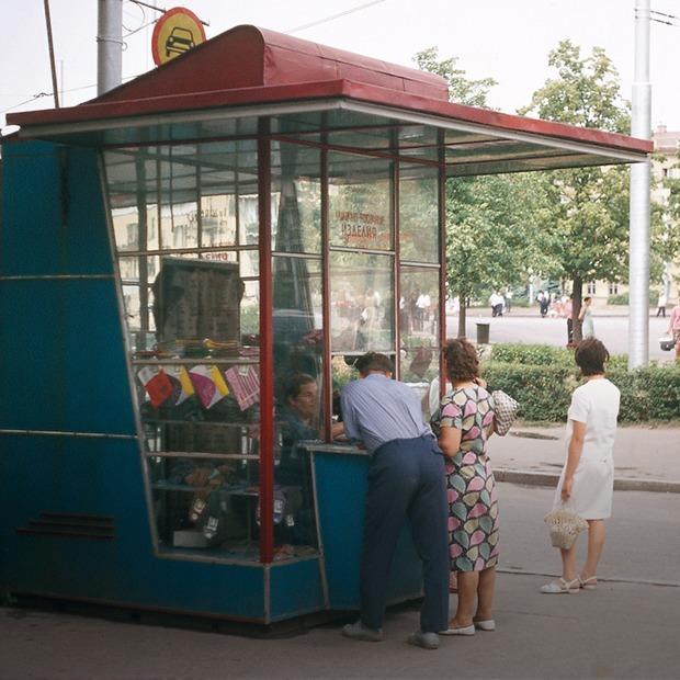 Очень модно: как выглядели минские киоски 70 и 20 лет назад — Было — стала на The Village Беларусь