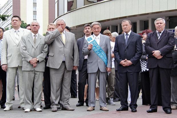 «Базы МВД не взломали, это по плану»: Как беларуские власти объясняют косяки плановыми работами