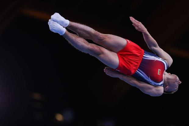 «Прыгал бы он молча»: Как соцсети спорят — радоваться ли «золоту» спортсмена, который за Лукашенко — Рэакцыя на The Village Беларусь