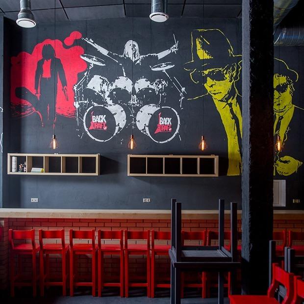 Хипстеры, подвиньтесь: На Октябрьской открывается олдскульный рок-бар «Back Draft» — Новае месца на The Village Беларусь