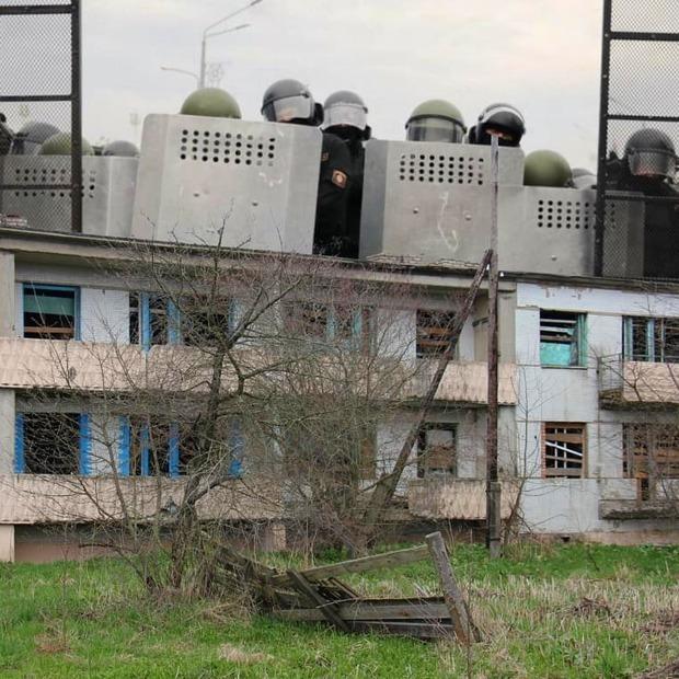 «Такого нет даже в элитных домах»: Какие дома в Минске строили для ОМОНовцев и в чем их отличие