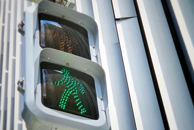 Почему в Минске со светофоров снимают секундомеры?