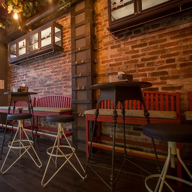 На Интернациональной откроется порто бар «Чернила» с португальской едой и танцами на стойке — Новае месца на The Village Беларусь