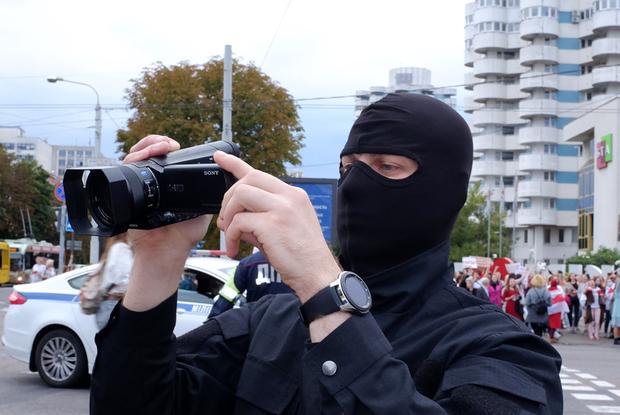 «Российские журналисты на БТ — это как зеленые человечки»: Как власти ведут инфовойну с беларусами — Пераклады на The Village Беларусь
