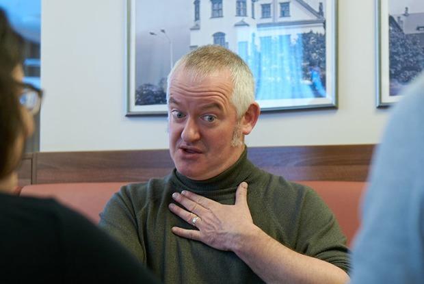 «Язык можно выучить даже через постель»: Преподаватель из Лондона об уровне английского в Минске