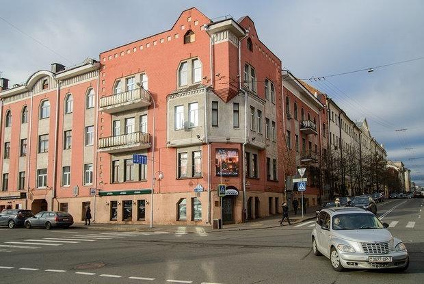 «Этот уникальный дом заслуживает большего»: Как выглядит бывший дом со съемными квартирами изнутри — Дзяжурны па горадзе на The Village Беларусь