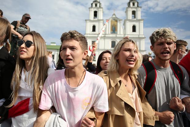 «Не так страшен арест, как жизнь в такой ситуации»: Что происходит в МГЛУ, где ОМОН хватал студентов — Сітуацыя на The Village Беларусь