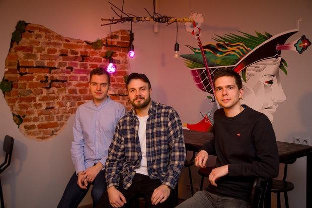 «Те, кто меряется новыми айфонами, к нам не пойдут»: Трое айтишников сбросились и открыли бар — Інтэрв'ю на The Village Беларусь