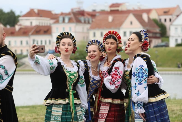 «Жаннет сорвала бурные овации 6 человек»: Как беларусы массово проигнорировали праздник Лукашенко — Што робiцца на The Village Беларусь