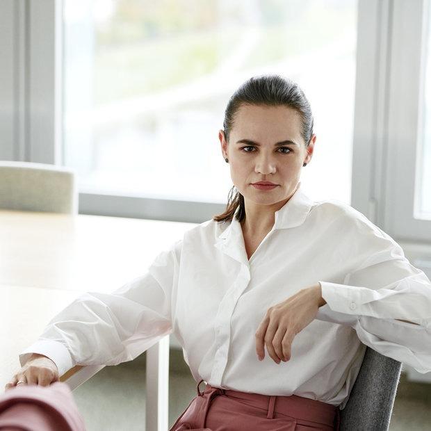 «Из уважения к Меркель Светлана была одета скромно»: Стилист Тихановской впервые дала интервью — Інтэрв'ю на The Village Беларусь