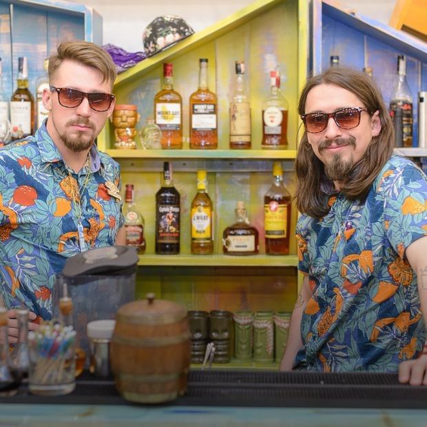 На Революционной открылся тики-бар «Make-Make Tiki Hut»