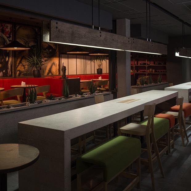 Владельцы «Винного шкафа» открыли заведение Ayahuasca с японско-перуанской кухней и вечеринками  — Новае месца на The Village Беларусь