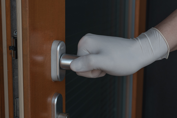 «Люди умирают от пневмоний»: Врач из Витебска рассказала, что на самом деле происходит в больницах