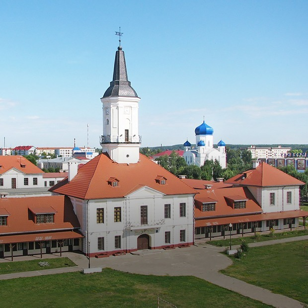 «Золотой дождь орошает эту землю»: Сколько стоит жизнь в Шклове — Як у іх на The Village Беларусь