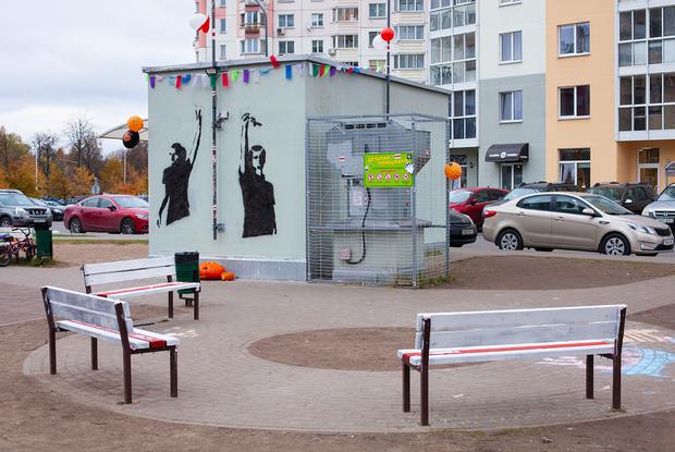 «Культовое место»: Минчанин выложил уникальные фото, как силовики боролись с Площадью Перемен — Што робiцца на The Village Беларусь