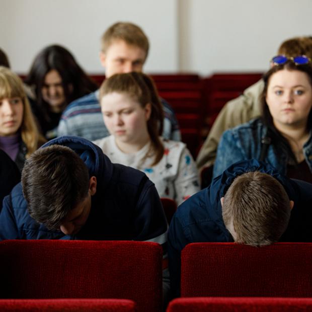 «Сидят не наркобароны. Сидят наши дети»: Как в Беларуси подростков судят за наркотики — Бесіць на The Village Беларусь
