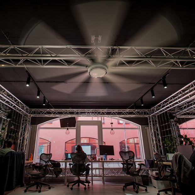 Массажист, ресторан, гостиничные номера: Как выглядит офис IT- компании Synesis — Дзе ты працуеш на The Village Беларусь