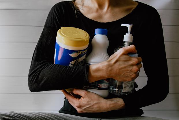 Лайфхаки от клинеров: Как правильно убирать в квартире во время пандемии