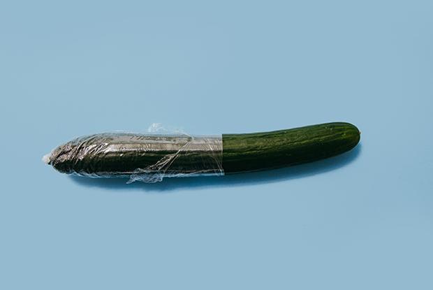 «Томная женщина в чулках — это несовременно»: Я делаю дизайн для упаковки презервативов — Інтэрв'ю на The Village Беларусь