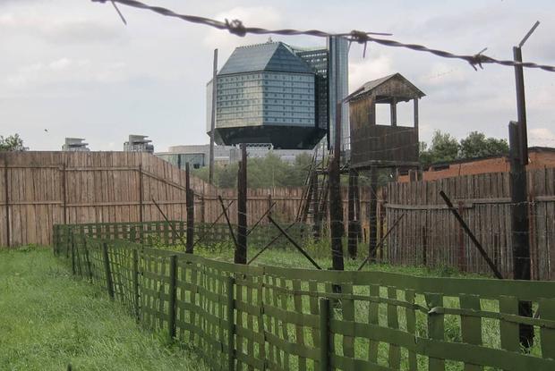 «Появились фирменные пытки»: Чем сейчас отличается отношение к задержанным на Окрестина и в Жодино — Што робiцца на The Village Беларусь