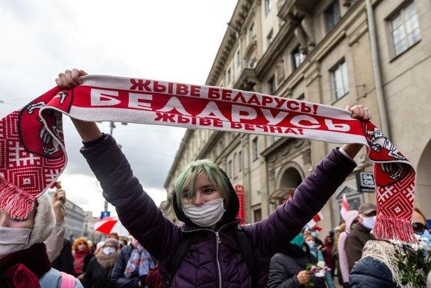 «Конечная стадия режима — посмешище»: Поляк смотрел на беларуские протесты и сделал внезапный вывод — Замежны вопыт на The Village Беларусь